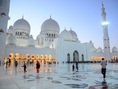 モルディブとドバイでハネムーン24★日帰りアブダビ 白亜の美しいモスク シェイク・ザイード・グランド・モスクを見に
