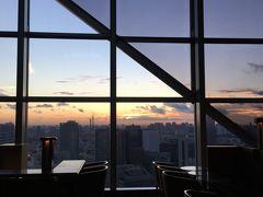 パーク ハイアット 東京 パークビュールームの夕暮れ