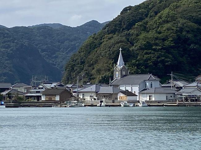 10月からいよいよ東京もGO TO トラベルの対象に。<br />その前の9月の連休の2日前に、フライング・スタートをして長崎へ。<br />そして、そこから車で熊本・天草へ向かいました。<br />ここ数年は潜伏キリシタン関連の教会に出かけてますが、天草もその1つです。<br />五島や外海とはまた違ったその姿を拝見しに出かけました。<br /><br />【旅程】<br /><br />9月17日<br />羽田空港:16時10分発→長崎空港:18時05分 ANA667便<br />長崎空港→諫早<br />9月18日●<br />諫早:10時すぎ頃→千々和→小浜(ランチ)→口之津港<br />↓<br />口之津港:14時発→鬼池港:14時30分着 フェリー<br />↓<br />富岡城<br />↓<br />望洋閣(ホテル)<br />↓<br />9月19日●<br />五足の靴文学遊歩道<br />↓<br />大江教会・ロザリオ館<br />↓<br />崎津教会(崎津集落)<br />↓<br />天草コレジヨ館<br />↓<br />鬼池港<br />↓<br />鬼池港:12時45分→13時15分 フェリー<br />↓<br />六兵衛t茶屋千々和店(ランチ)<br />↓<br />諫早<br />↓<br />9月20日<br />9月21日(亀山社中跡他・大浦天主堂)<br />9月22日<br />9月23日<br />長崎空港:15時10分→羽田空港:17時00分 JAL612便