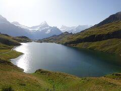 絶景が広がるアルプスの山歩きと鉄道の旅:スイス、リヒテンシュタイン旅行【24】(2019年秋 5日目② 陽光の高原湖)