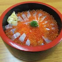 青森の旅⑤   姫鱒親子丼を目指して雨の十和田湖にランチしに行く
