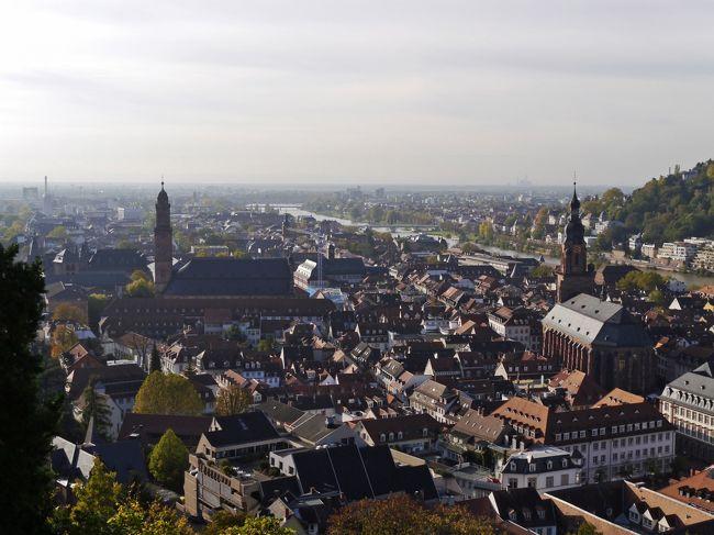 3日目(10/24・金)<br /><br />今日の午前中はライン川下り。<br />サンクト・ゴアールからハイデルベルグに移動。そして、ハイデルベルグの観光・・・。<br /><br />この旅行記は、コロナ禍の真っ最中の2020年10月に書いている。6年前の旅行なので変わった面は悪しからず・・・。<br />