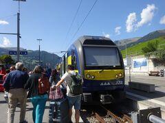絶景が広がるアルプスの山歩きと鉄道の旅:スイス、リヒテンシュタイン旅行【26】(2019年秋 5日目④ 二大リゾートを結ぶ)