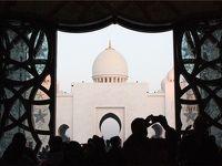 美し過ぎるアラブの芸術!シェイク・ザイード・グランド・モスク