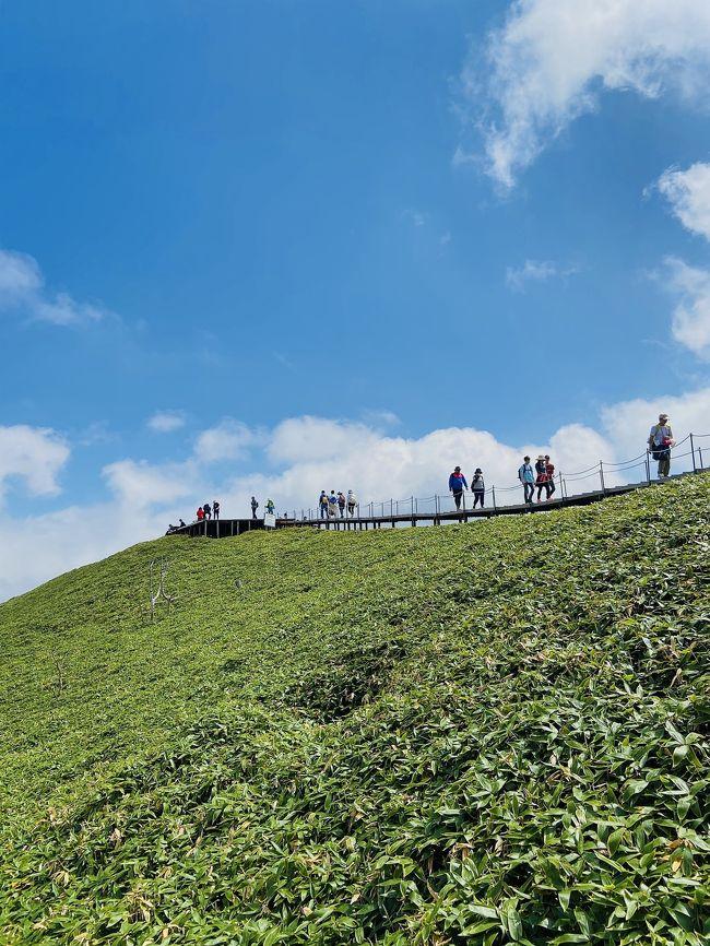 剣山登山口からリフト使わず約2時間半で登頂。