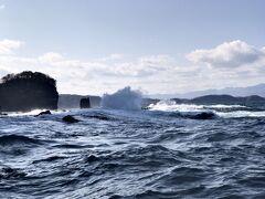 小樽の街を 2泊3日で ぶらり旅  2日目 ① 波濤を超えて 青の洞窟へ