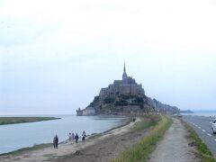パリから行く小さな旅2<シャルトル大聖堂、モンサンミッシェル>