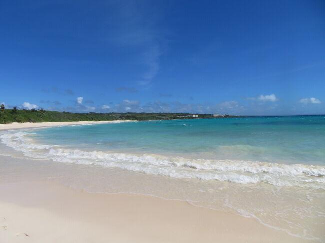 2日目は天気予報より早く太陽が出てきて良い天気となりました。<br />沖縄本島では30度を超す気温となり、沖縄でも11月としては珍しいようです。<br />晴れると海の色がさらに美しく素晴らしく、感動しました。<br />レンタカーで伊良部島と下地島へ行ってきました。<br />ほとんどの場所で密とは無縁でした。<br /><br />宮古島の旅<br />①ザロイヤルパーク東京羽田で前泊<br />②1日目は来間島へ<br />③2日目は伊良部島、下地島へ<br />④3日目はホテルでグラスボート乗船と東平安名崎へ<br />⑤4日目は買い物して帰宅<br /><br /><br />