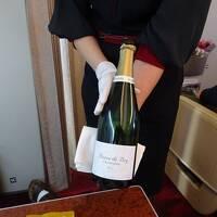 シャンパンな空の旅 当日UGで,往復F席 HND-CTS,CTS-HND