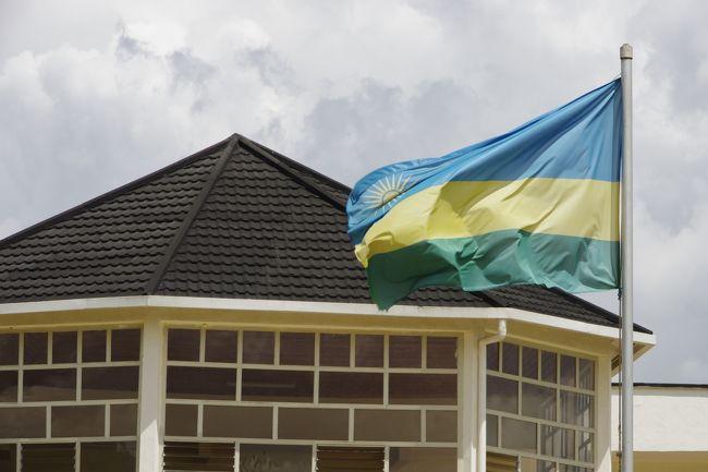 2020年11月20日のお題、ルワンダ。<br />行ったのは2011年の12月25日と26日。キガリから乗り合いバスでブタレ(現フイエ)へ2日連続でムランビの虐殺記念館へ。なぜ2日連続で行ったかというと25日はクリスマス休日だったというオチです。