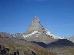 絶景が広がるアルプスの山歩きと鉄道の旅:スイス、リヒテンシュタイン旅行【30】(2019年秋 6日目③ マッターホルンの横顔)