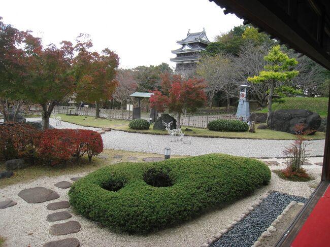 西尾の観光協会のサイトに~六万石「西尾」小京都めぐり~というモデルコースが載っていたので、それにのっかってぶらぶらしてみました。<br />紅葉とお抹茶、そして人も少なくのんびりできました。