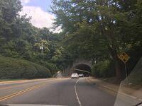 ノースカロライナ州 アッシュビル ー トンネルロード沿いのホテルに宿泊