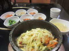 新宿からぶらぶらと新大久保までやってきて、コリアンタウンでいただいた昼食