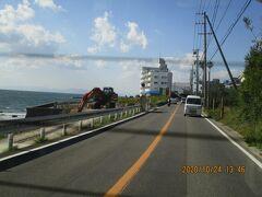 海岸沿いの工事 まるはリゾートあたりで道路とは別に遊歩道を作るのかも