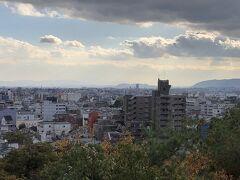 清少納言が讃えた船岡山の地代は年間8,000万円。そして北野天満宮に参拝