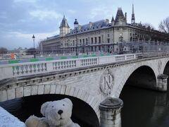 """初めてのパリ その11(韓国・ロシア・ドイツ・イギリス・フランス 14日間の旅 その7-21) """"N""""は、ナポレオンの """"N"""" だそうな!"""