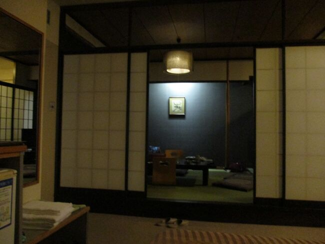 別府温泉2泊8ホテル<br />写真は201221-0652.杉乃井ホテルに宿泊。GoToトラベル政策のおかげです。きのうの夜はフカヒレ丼、ステーキ、サラダなど色々のビュッフェ。2晩目は日本料理のプラス500円料理にしました。<br />往路アイベックスエアラインズIBX3165便0945-1100大分着<br />復路1222火曜IBX3170便大分発2025-2125セントレア着<br />エアライナー大分空港ーJR別府駅ー大分空港    <br />1110-1200  1830-1915<br />シャトルバス 杉乃井ホテルー別府駅西口-本館 Hana館-本館<br />15分間隔で往復 0915-1800まで  0900-1745まで<br />亀の井バス1日フリー900円