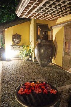 国境の東、Go toとGo toのはざまと低気圧と低気圧の谷間の八重山諸島の旅(6)フサキビーチリゾートの休日と舟蔵の里の八重山料理の夜。
