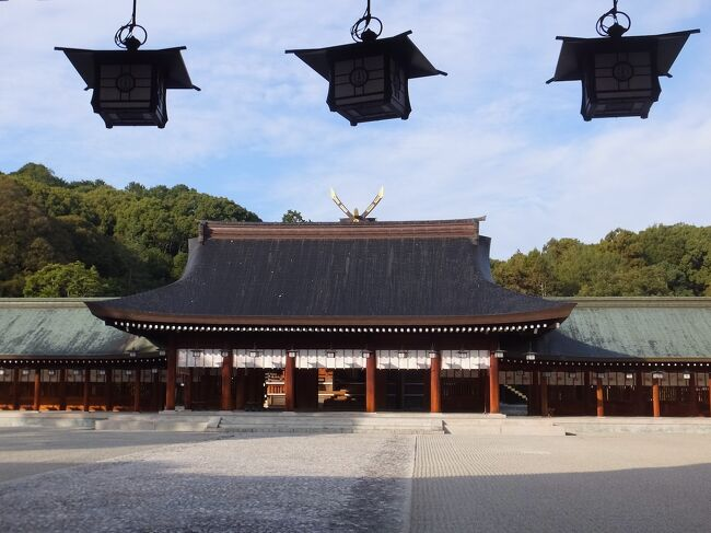 宮崎と縁の深い橿原神宮へ。神社の朝は爽やか。