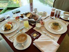 初冬の東京旅♪ Vol.17 ☆「ザ・ペニンシュラ東京」:スイートルームで優雅な朝食♪
