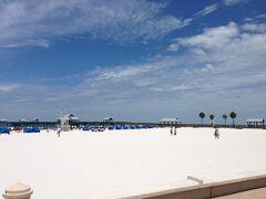 フロリダ州 クリアウォーター ー ピア60に来たらビーチの砂が白くてビックリ☆☆☆☆☆