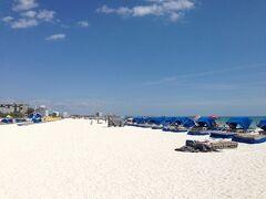 フロリダ州 セント ピート ビーチ ー 宿泊ホテル前は真っ白な美しいビーチ