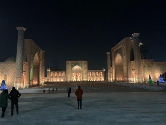 ウズベキスタン在住ウズ子の旅行記。<br />今回は、タシケントを出発して、テルメズ→シャフリシャブズ→サマルカンド→ウルゲンチ→ヒヴァの旅。<br /><br />ブログではウズベキスタンの現地情報を詳しく掲載<br />http://livedoor-blog.uzukonikki.com/