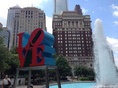 ペンシルベニア州 フィラデルフィア ー ラブパークは高層ビル街の真ん中にあるオアシス