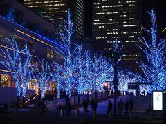 横浜の冬の風物詩・ヨコハマミライトのイルミネーションと時価のアジフライ