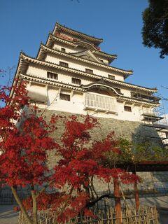 僅かな自由時間に訪れた紅葉の「唐津城」と「時の太鼓」