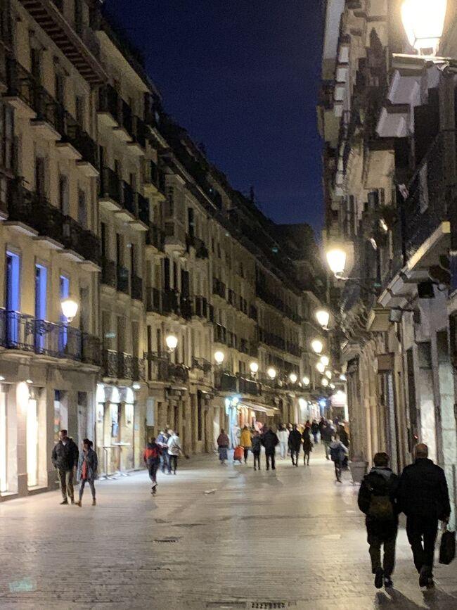 2020.2 スペインバスク地方を巡りました。<br />美味しい食べ物と温暖な気候、個性的でハイセンスな物たちとの出会いがある旅でした。<br /><br />美食の聖地、サンセバスチャンで食べ歩きです!<br />バル巡りの様子をお届け。<br /><br />帰国翌週にCOVID-19がスペインを襲い、その後世界中でパンデミックに。海外にまた行ける日がきますように!