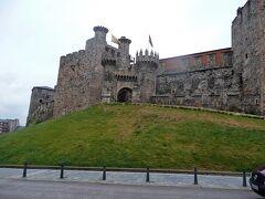 テンプル騎士団の居城だったポンフェラーダ城を見学