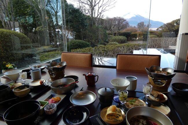 この日の朝食はエクシブ山中湖本館の日本料理 花木鳥で頂きます。<br /><br />日本料理 花木鳥では先月朝食を頂いているので、メニューにない連泊用の朝食を用意してくれました。<br />