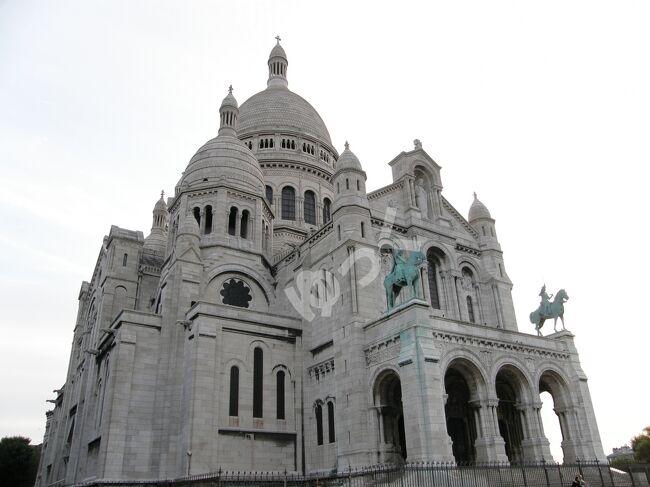 2008年初夏に個人旅行でフランスとイギリスを訪れました。<br />パリ4泊、ロンドン3泊の合計7泊9日の旅でした。<br /><br />以下の行程で巡りました。<br /> パリ1日目:パリ市内セーヌ川左岸<br /> パリ2日目:パリ市内セーヌ川右岸<br /> パリ3日目:モン・サン・ミッシェル<br /> パリ4日目:ヴェルサイユ宮殿&パリ市内北部<br /> ロンドン1日目:ロンドン市内<br /> ロンドン2日目:ストーンヘンジ&バース市内<br /> ロンドン3日目:グリニッジ&ロンドン市内<br /><br />合計9つの世界遺産を巡りました。 <br />「パリのセーヌ河岸」「フランスのサンティアゴ・デ・コンポステーラの巡礼路」「モン・サン・ミッシェル」「ヴェルサイユ宮殿」「ウェストミンスター宮殿&amp;寺院」「ロンドン塔」「ストーンヘンジ」「バース市街」「河港都市グリニッジ」<br /><br />今回はパリ4日目です。