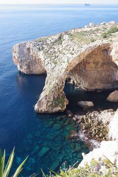 地中海の真ん中にあるマルタ島(8)    ブルーグロット「青の洞門」