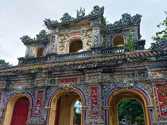 年末年始ベトナム北中部紀行(6) ベトナム最後の王朝 阮朝の古都フエ