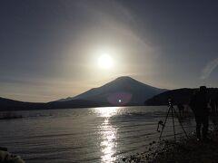 山中湖でダイヤモンド富士💎