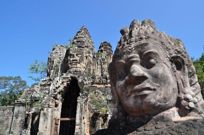 アンコールワットを見たくてカンボジアへ行きました。アンコールワット、アンコールトム、バイヨン寺院、タプローム寺院の石の遺跡は素敵なところでした。シェムリアップの街、トンレサップ湖もいいところですが、熱帯の暑さで熱中症になりそうでした。。。