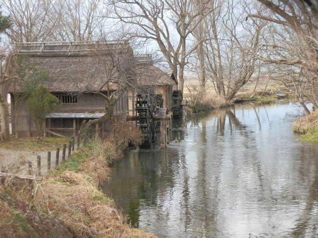 誰もが一度は口ずさんだ「早春賦」の歌。2月に入ると「早春賦」の歌が浮かんで来る。この歌は長野県の安曇野一帯の早春の情景をうたった歌です。雪国の人々の春が待ち遠しい歌のように思われます。春に向う明るい旋律にあこがれ、安曇野と言われる地域を旅してみました。<br /> <br /> 「早春賦」の一番の歌詞です。<br /><br /> 「春は名のみの 風の寒さや 谷の鶯 歌は思えど 時にあらずと 声も立てず 時にあらずと 声も立てず」<br />
