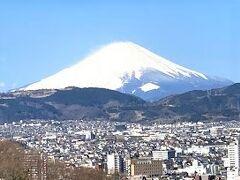 浅間山、権現山、弘法山山頂を目指してトレッキング