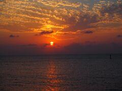 沖縄ドライブ綺麗な海に癒やされて&お手軽グルメ食い倒れ(1日目)