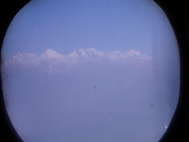 3/29 ナガルコットからカトマンドゥへいったん戻り、飛行機でポカラへ。<br />ポカラまで来たけれど、山に登らない。温暖な低地からヒマラヤ山脈を眺めました。