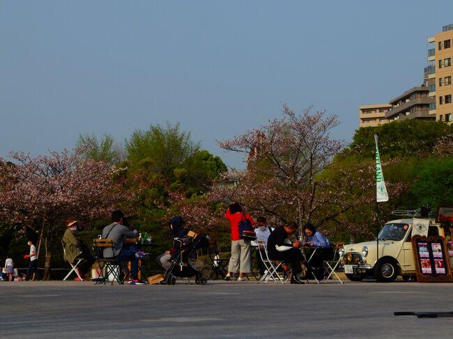 春のうららの隅田川を探しに行ってきました。<br />亀戸からスカイツリーを中心に時計回りに歩きました。<br />「春の」そして「うららの」公園や下町を見て歩くこと約3時間。<br />隅田川、隅田公園は初夏の陽気に包まれた一日でした。<br />