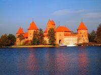 秋のバルト三国美しき古都と城を訪ねてNo.3<リトアニアの首都ヴィリニュスの旧市街、トラカイ城など>