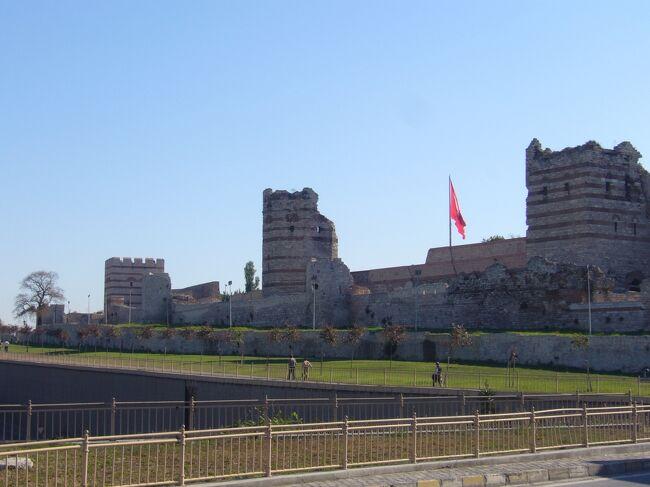 トルコ 絶景と歴史を感じるの旅その7イスタンブール 地下宮殿とグルメとテオドシウス城壁とバザール編
