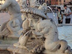 """初めてのローマ その21(イタリア・スペイン・ポルトガル・オランダ 12日間の旅 その4-21)""""ナヴォーナ広場"""" のちょっと奇妙な彫刻達!"""
