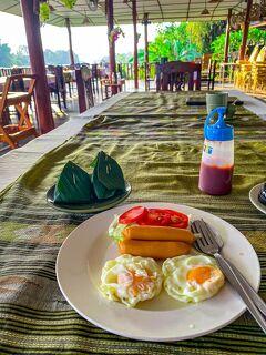 タイの遺跡を全部巡るつもりが、コロナの影響で北部だけで終わってしまった旅 その18 シーサッチャナーライ朝の散歩
