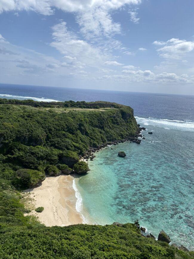 コロナの影響で海外に行けなくなり、マイルが貯まったので夫と二人で沖縄に行ってきました。<br />1月に行く予定でしたが緊急事態宣言の影響で<br />4月に延期したのにまた蔓延防止措置とやらが出ましたが<br />感染防止を徹底して行ってきました。<br /><br />初めての沖縄になのでとても楽しみです。