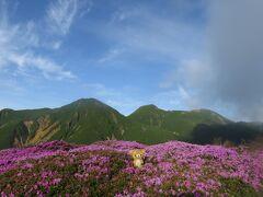 九州最高峰に登ってくるクマ その1 朝飯前の法華院温泉山荘から立中山